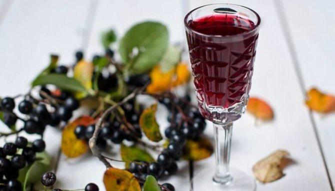 Как приготовить вино из черноплодки