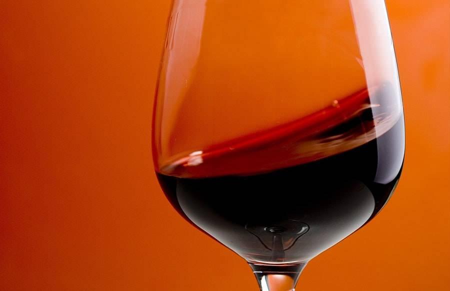 Калорийность полусладкого вина в 100 г