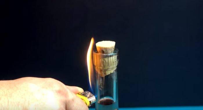Как открыть бутылку вина с помощью зажигалки
