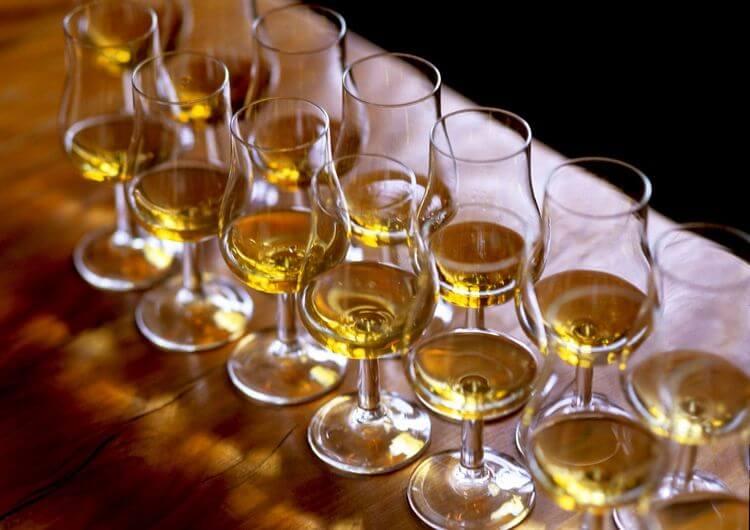 Как нужно пить виски