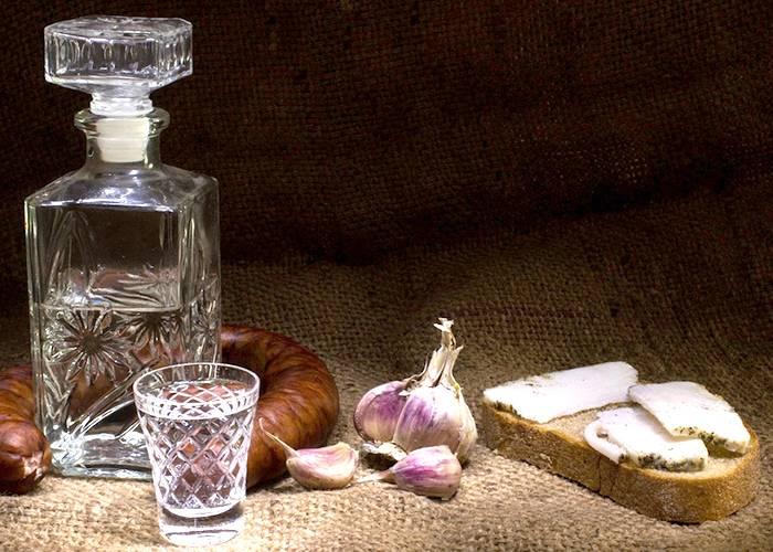 Как приготовить водку из самогона