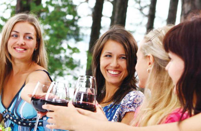 Вино акура сливовое