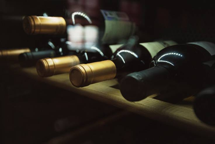 Можно ли вино хранить в холодильнике