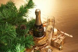Когда пьют шампанское со свадьбы