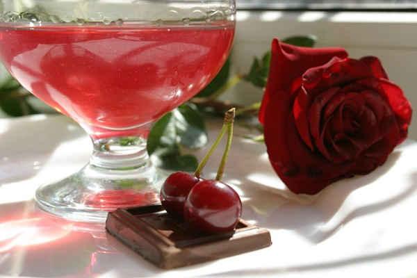 Как сделать вишневый ликер в домашних условиях