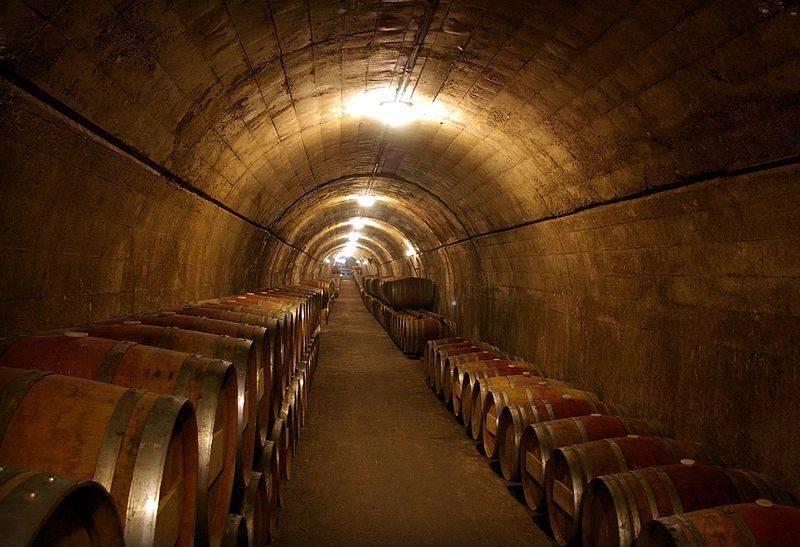 Полусладкое испанское вино