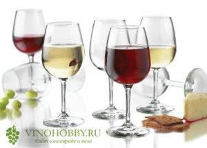 Белое столовое сухое вино