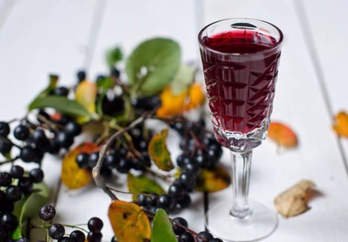 Вино из черноплодки дома