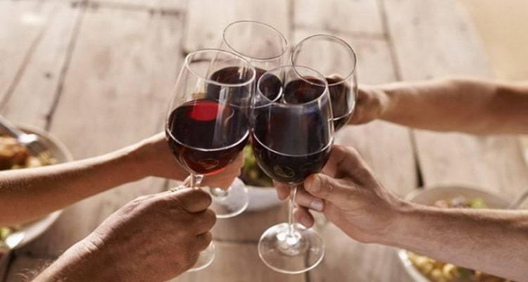 Почему вино называется столовым