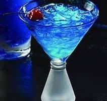 Коктейли с голубым ликером