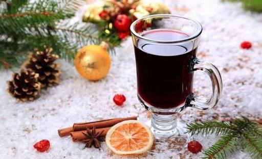 Теплое вино с корицей