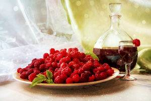 Домашнее вино из малины простой рецепт