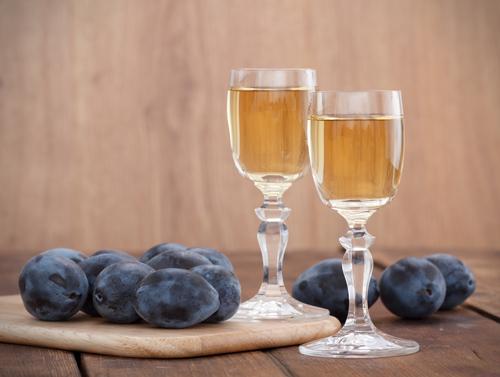 Вино из сливы в домашних условиях простой