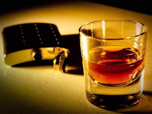Недопитый виски